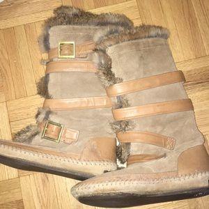 Tory Burch Fur lined flat boots in Tan